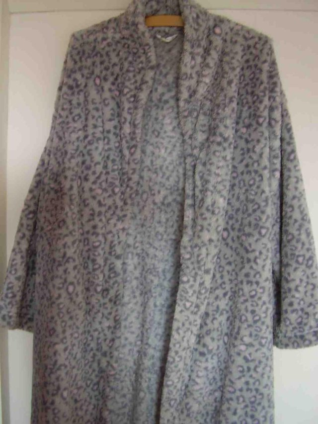 Ladies Dressing Gown Ms Size 1214 Long For Sale In Ipswich