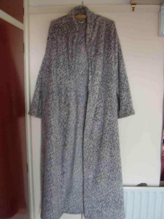 Ladies dressing gown M&S size 12/14 long For Sale in Ipswich ...
