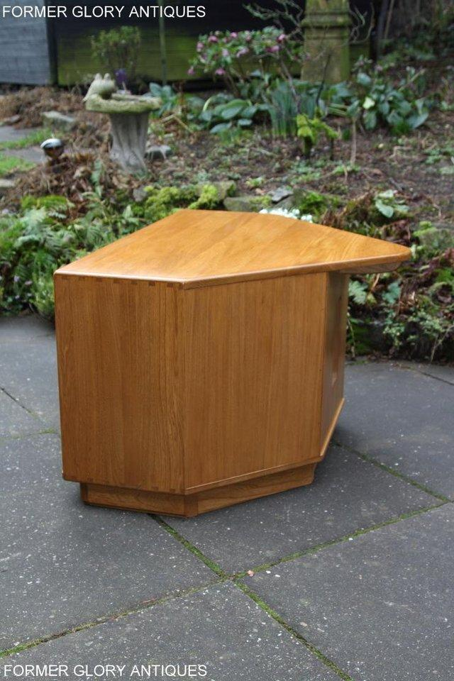 Image 26 of ERCOL WINDSOR LIGHT ELM CORNER TV CABINET STAND TABLE UNIT
