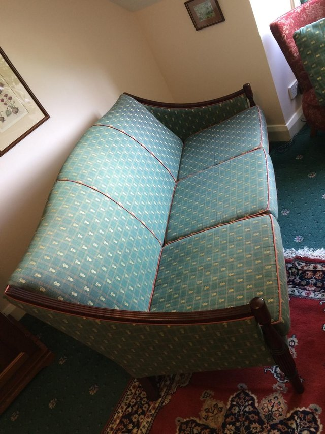 Image 3 of 3 seater antique-style sofa