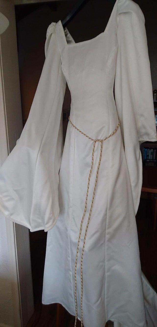 medieval wedding dresses - Second Hand Wedding Clothes and Bridal ...