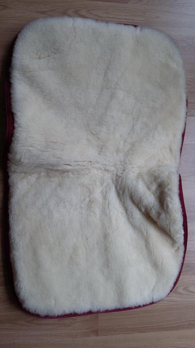 Image 2 of SADDLE CLOTH/PAD/NUMNAH, WOOL WITH INSERT POCKETS