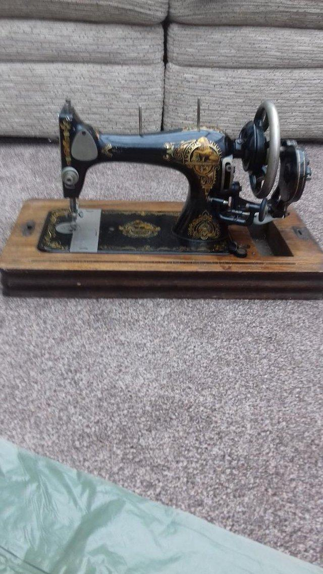 Kays Of Worcester Vintage Sewing Machine For Sale In Brough East Fascinating Sewing Machines Worcester