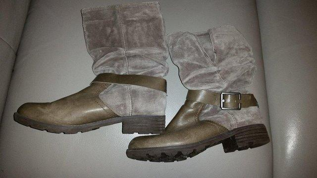 Image 2 of Clarks ladies grey leather & suede flat boots