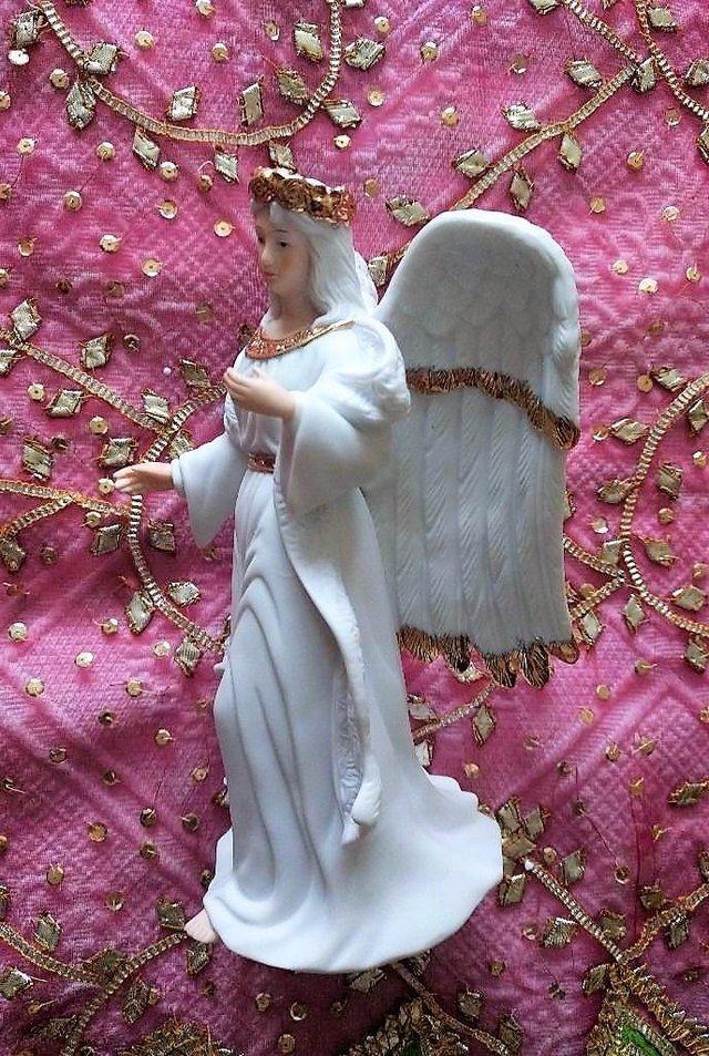 Image 2 of VINTAGE CHRISTMAS TRADITIONS Porcelain Angels Incense Large