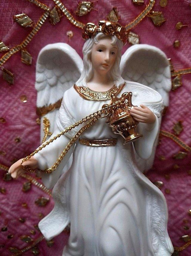 Image 3 of VINTAGE CHRISTMAS TRADITIONS Porcelain Angels Incense Large