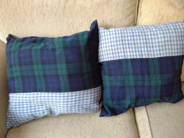 Image 2 of Pair cushions - Christmas Trees - Pure Wool