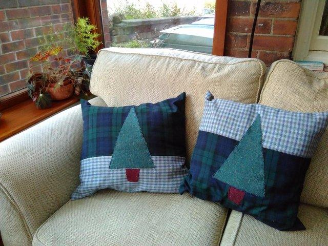 Preview of the first image of Pair cushions - Christmas Trees - Pure Wool.