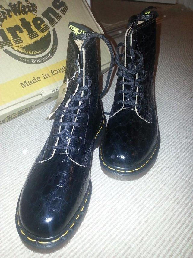 Image 2 of DR MARTENS BOOTS BLACK LEATHER NEW AND BOXED