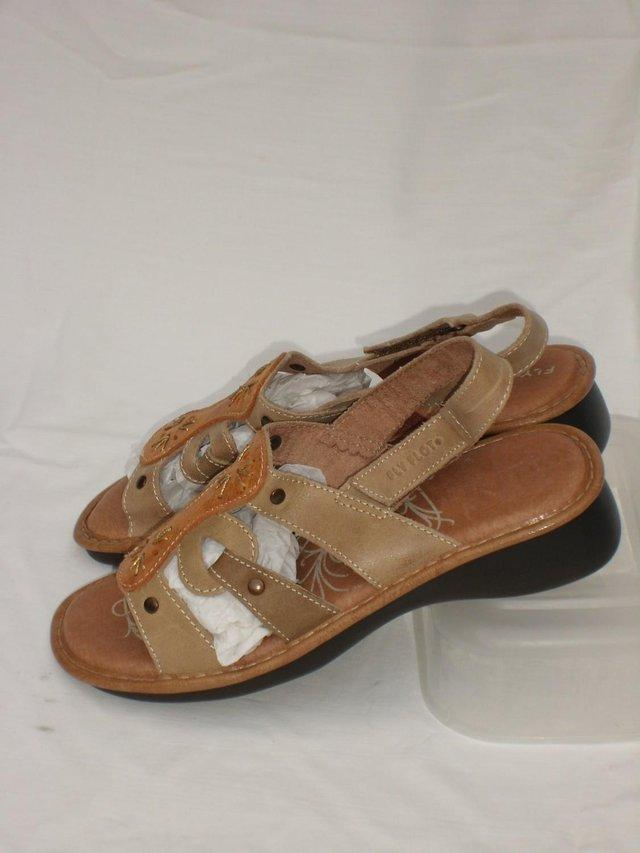 c9eab71a3df2 PAVERS FLY FLOT Leather Sandal Shoes – Size 5 38 NEW