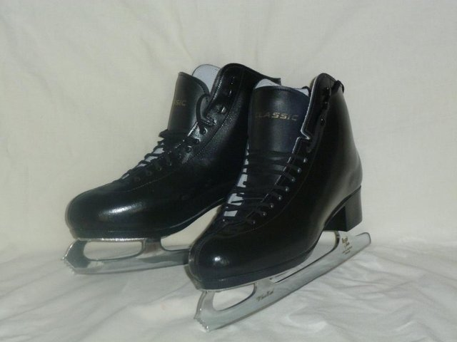 ae78c78bb8d second hand ice skates - Local Classifieds