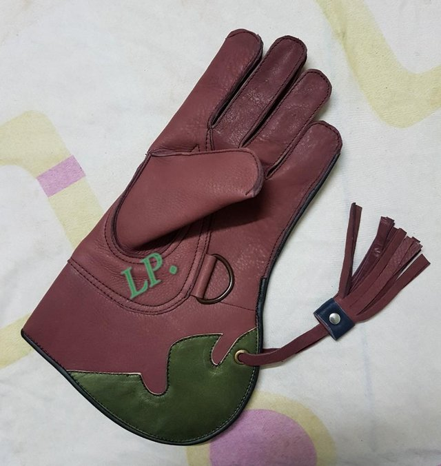 Preview of the first image of New Cow-Hide Leather (2 Layer) Double Skinned Falconry Glove.
