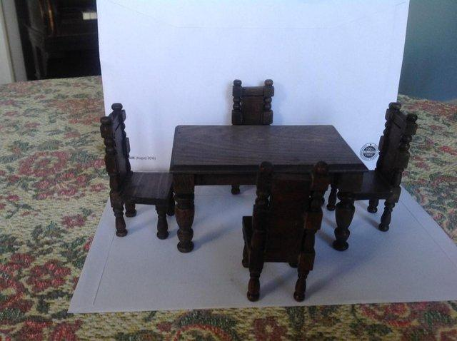 Dollhouse Dining Table And Four Chairs