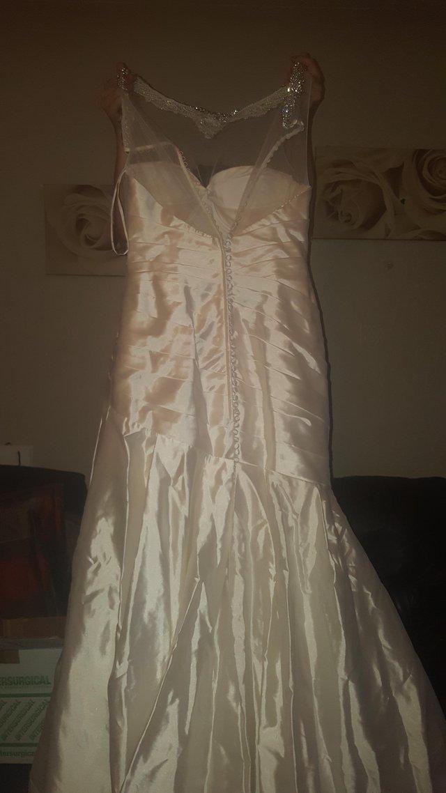 Ex sample wedding dresses hertfordshire grid