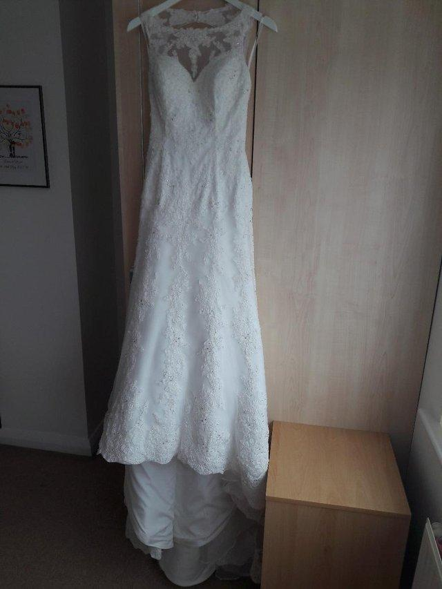 size 8 backless wedding dress - Second Hand Wedding Clothes and ...