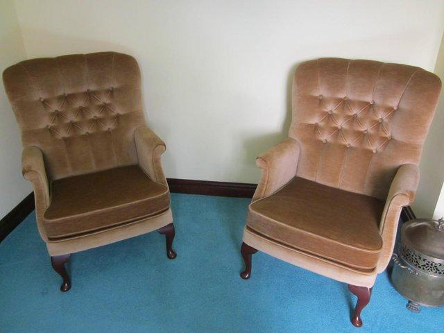 Preview of the first image of Vale 'Napoli' 3 piece suite plus foot stool.