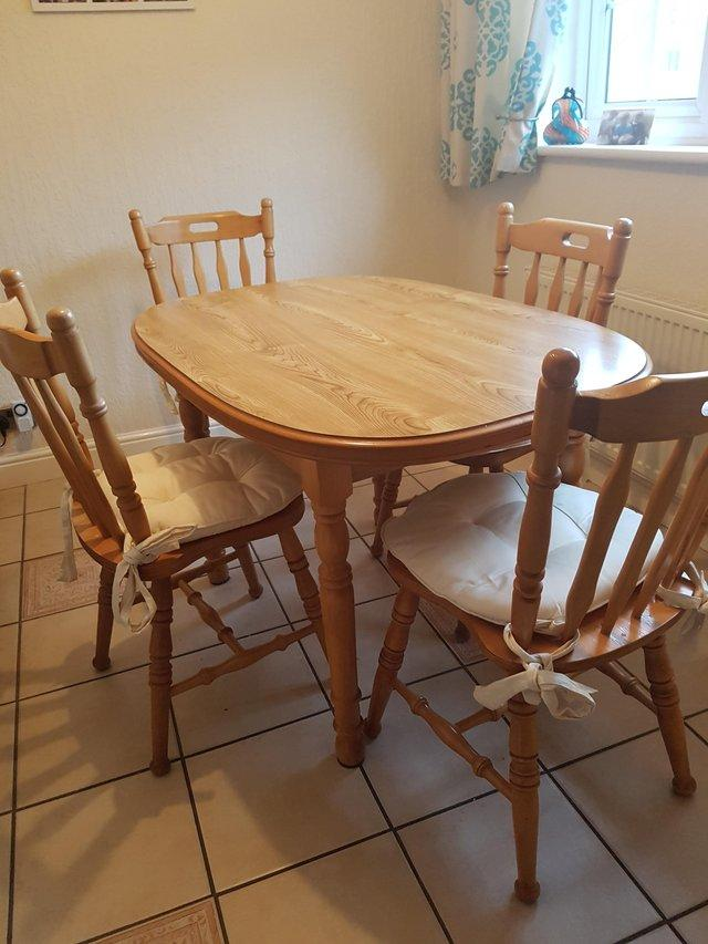 Chestnut Kitchen Table And Chairs