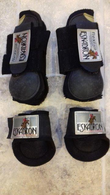 Tendon Boots Pony Second Hand Horse Tack And Clothing Buy And