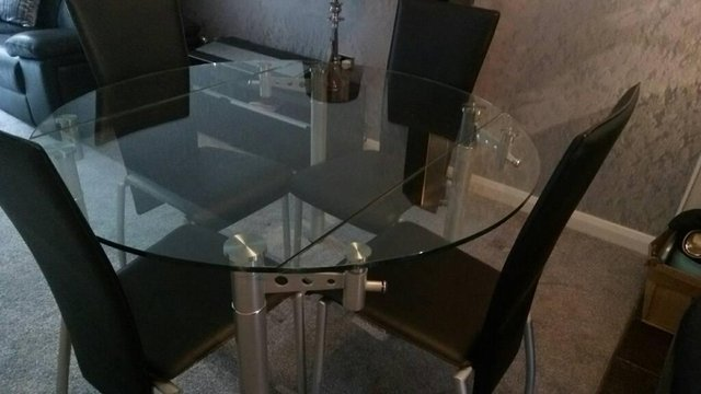 Extending Glass Dining Table And 4chairs