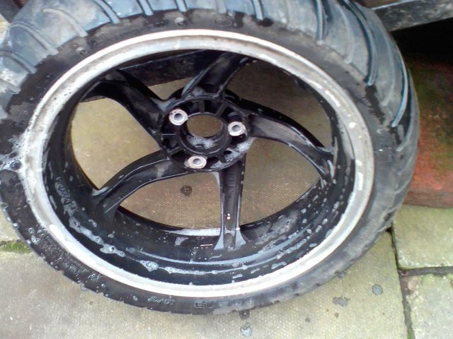 Image 3 of Boatian hb e4-hb REAR wheel with excellent tyre