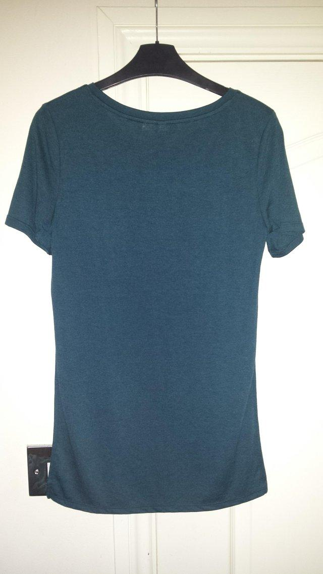 Image 4 of Women's XS H&M Jersey Top with High Side Slits New