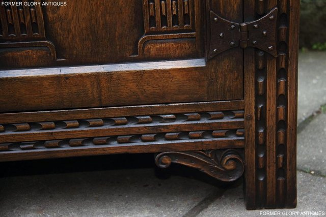 Image 44 of TITCHMARSH & GOODWIN STYLE CARVED OAK DRESSER BASE SIDEBOARD