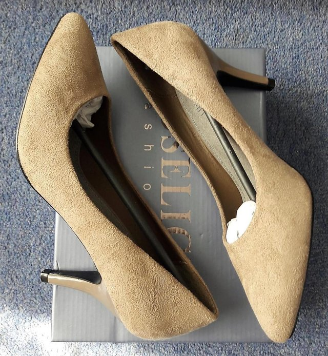 Image 3 of Roselight women's suede khaki shoes size 5