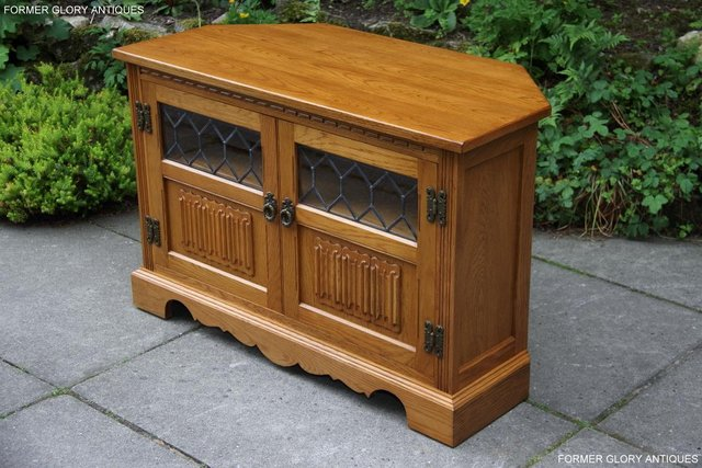 Outstanding Old Charm Oak Corner Tv Table Hi Fi Dvd Cd Cabinet Stand Download Free Architecture Designs Grimeyleaguecom