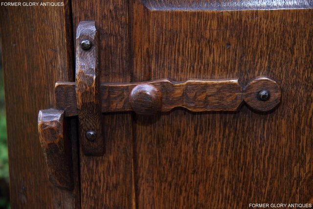 Image 8 of A NIGEL RUPERT GRIFFITHS CARVED OAK CORNER CABINET CUPBOARD