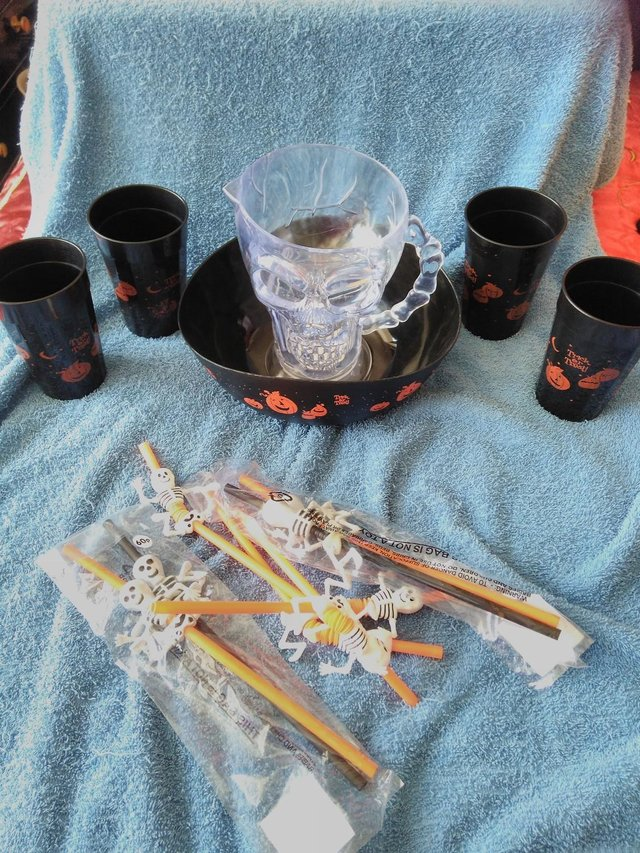 Preview of the first image of Halloween Tableware.
