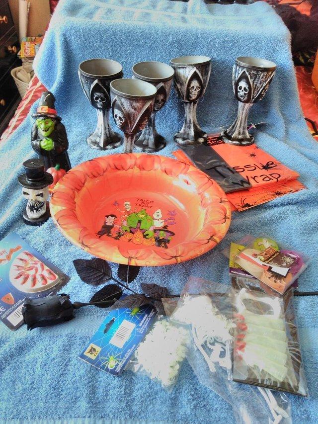 Image 2 of Halloween Tableware