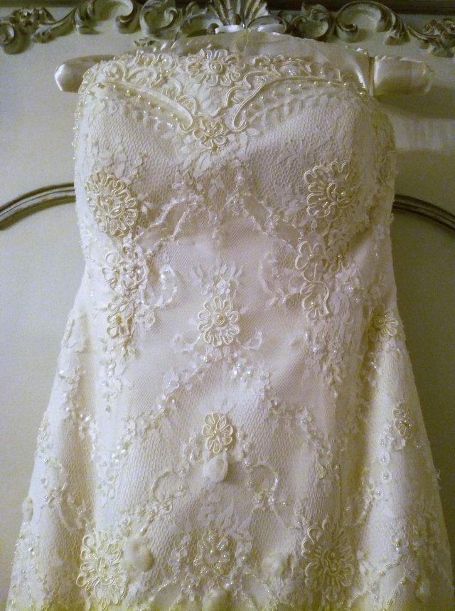 Image 2 of DESIGNER WEDDING DRESS FLEUR Cream Lace Pearls Diamante