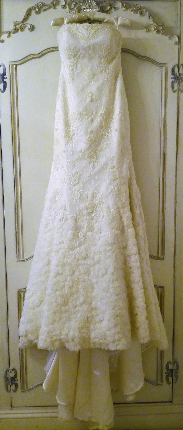 Preview of the first image of DESIGNER WEDDING DRESS FLEUR Cream Lace Pearls Diamante.