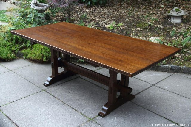 Image 12 of A NIGEL RUPERT GRIFFITHS OAK DINING SET TABLE & SIX CHAIRS