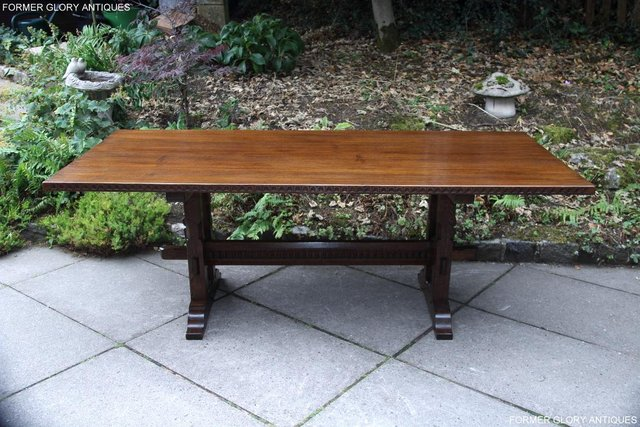 Image 76 of A NIGEL RUPERT GRIFFITHS OAK DINING SET TABLE & SIX CHAIRS