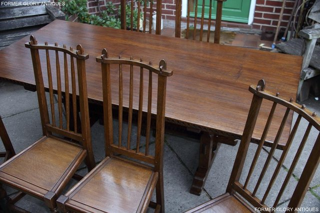 Image 80 of A NIGEL RUPERT GRIFFITHS OAK DINING SET TABLE & SIX CHAIRS