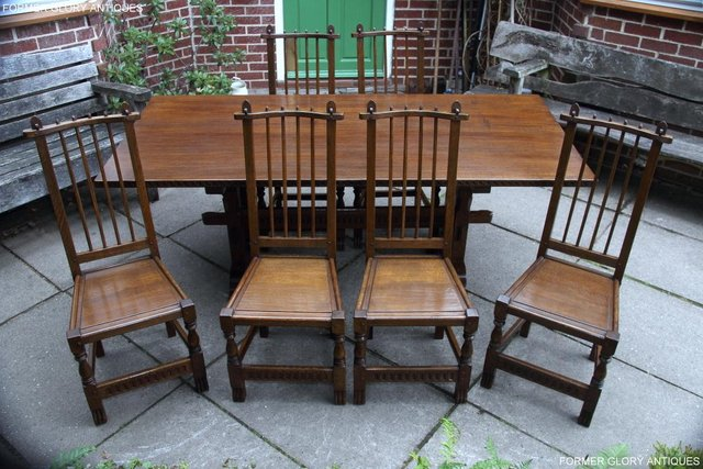 Image 91 of A NIGEL RUPERT GRIFFITHS OAK DINING SET TABLE & SIX CHAIRS
