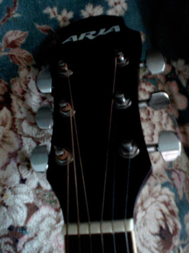 Preview of the first image of ARIA QUALITY ACUSTIC GUITAR NOT USED MUCH.