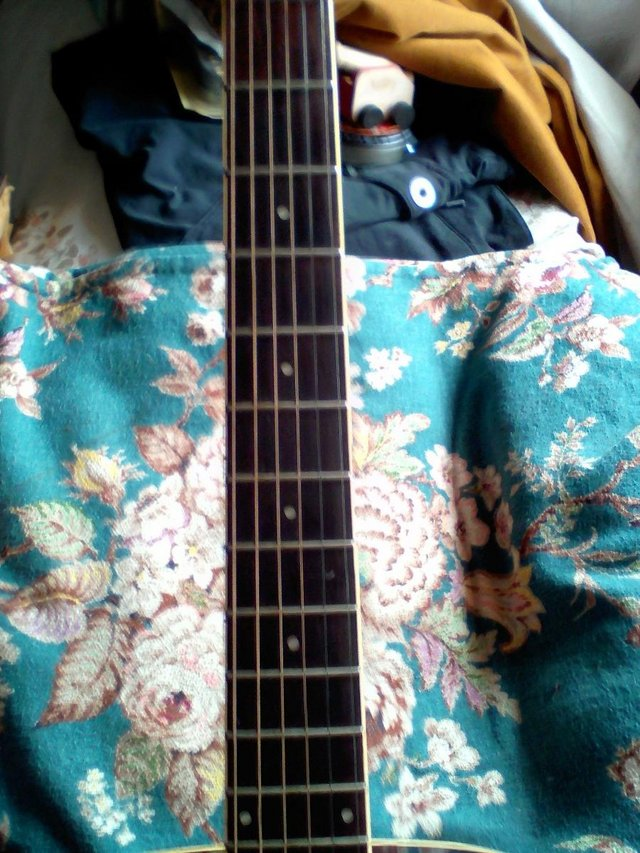 Image 2 of ARIA QUALITY ACUSTIC GUITAR NOT USED MUCH