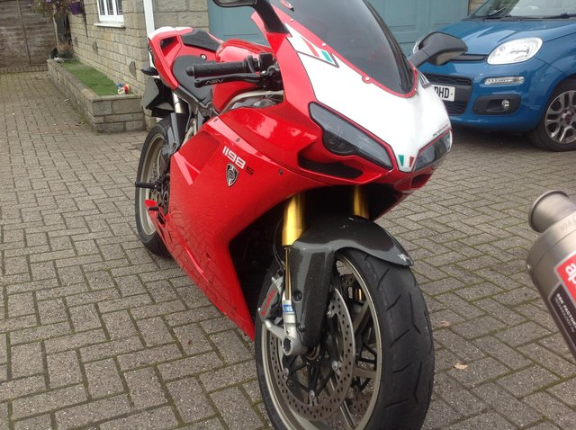 Preview of the first image of DUCATI 1198S 2009 59 Plate.
