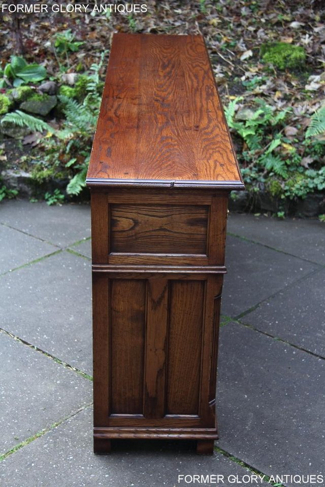 Image 44 of TITCHMARSH & GOODWIN STYLE OAK DRESSER BASE SIDEBOARD TABLE
