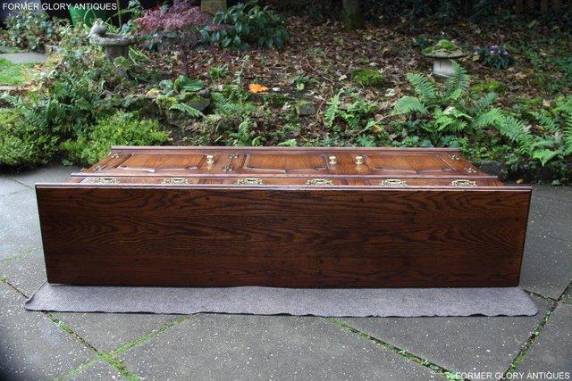Image 60 of TITCHMARSH & GOODWIN STYLE OAK DRESSER BASE SIDEBOARD TABLE
