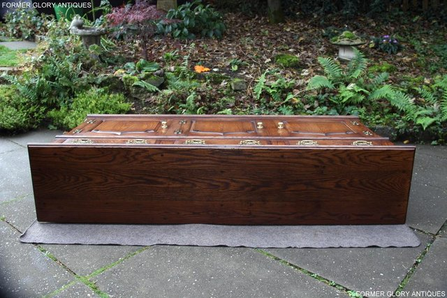 Image 88 of TITCHMARSH & GOODWIN STYLE OAK DRESSER BASE SIDEBOARD TABLE