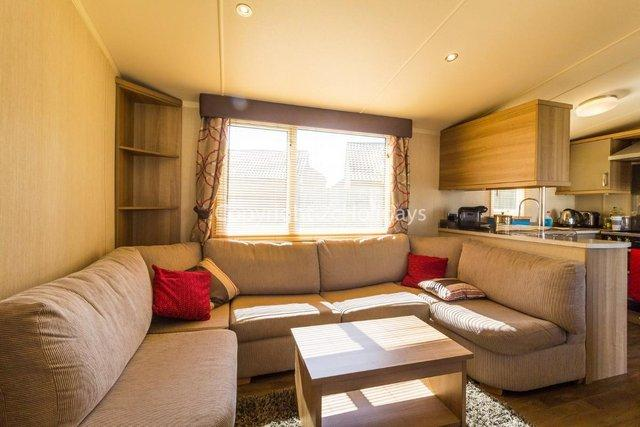 Image 2 of UK holiday static caravan for hire near beach  80025S