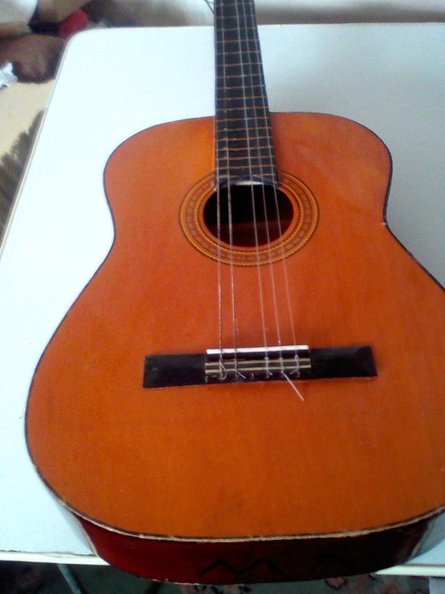 Image 2 of Prince quality Acustic Guitar ,only got 5 strings