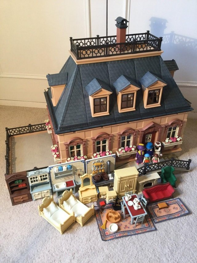 Preview of the first image of Playmobil Victorian House Fully Furnished & Figures Vintage.