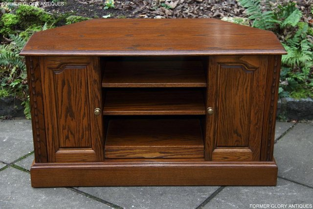 Pleasing A Jaycee Old Charm Oak Corner Tv Table Hi Fi Dvd Cd Cabinet For Sale In Uttoxeter Staffs Preloved Download Free Architecture Designs Grimeyleaguecom