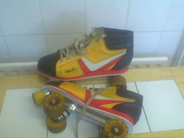 Preview of the first image of ROLLER SKATES..