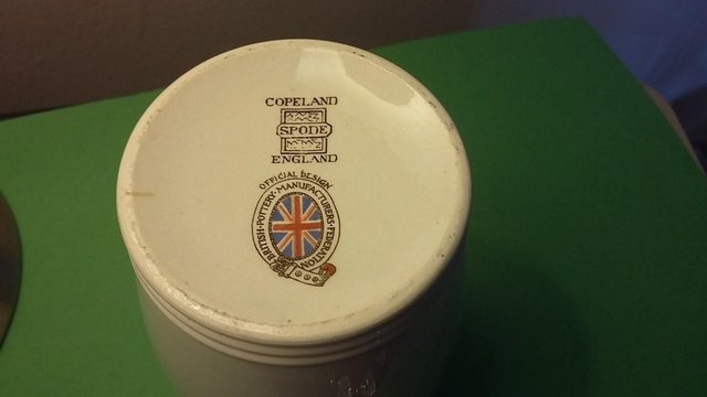 Image 2 of Vintage Silver Jubilee 1935 King George V & Queen Mary Mug