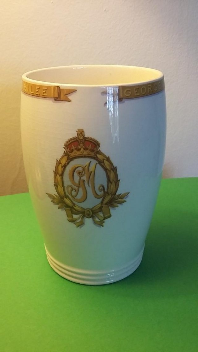Image 3 of Vintage Silver Jubilee 1935 King George V & Queen Mary Mug